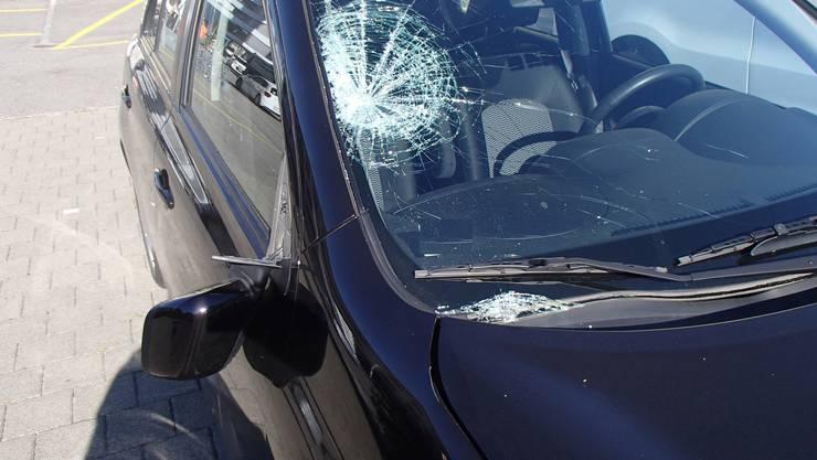 Ein 11-jähriges Mädchen wurde in Wildegg von einem Auto erfasst und mittelschwer verletzt