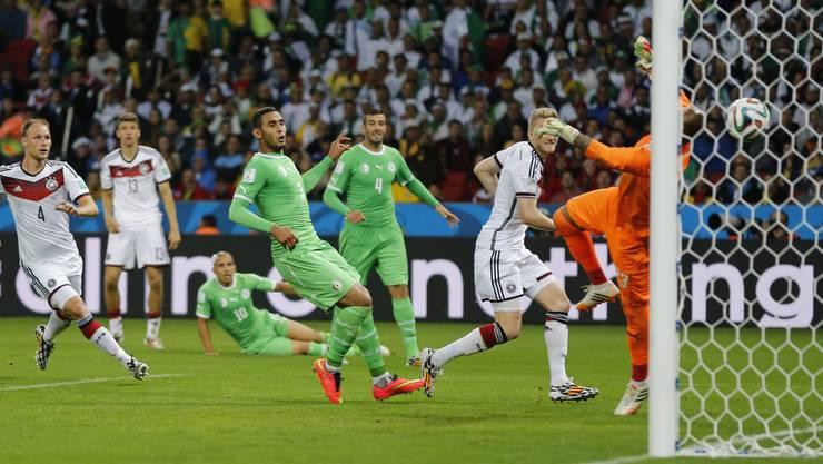 Zuletzt brauchte Deutschland 2014 gegen Algerien im Achtelfinale eine Menge Glück, um die unglaubliche Serie weiterzuführen.