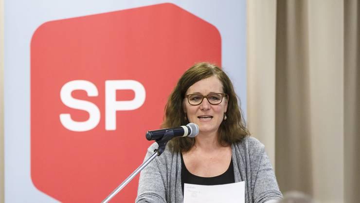 Franziska Roth (Kantonalpräsidentin) und die SP bekämpfen die Umsetzung der Regierung vehement.