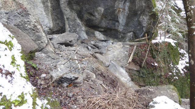 500-Tonnen-Fels stürzt in beliebtes Wander-Tobel – zum zweiten Mal