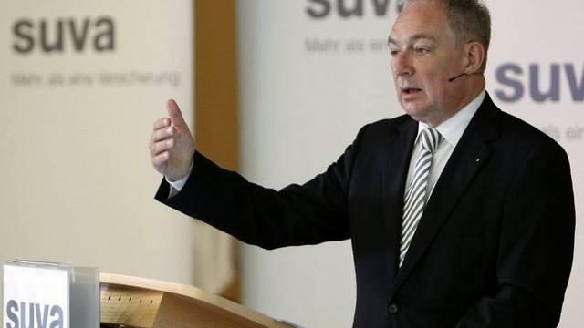 Suva-Chef Ulrich Fricker ist vom Geschäftsmodell des Unternehmens überzeugt (Archiv)