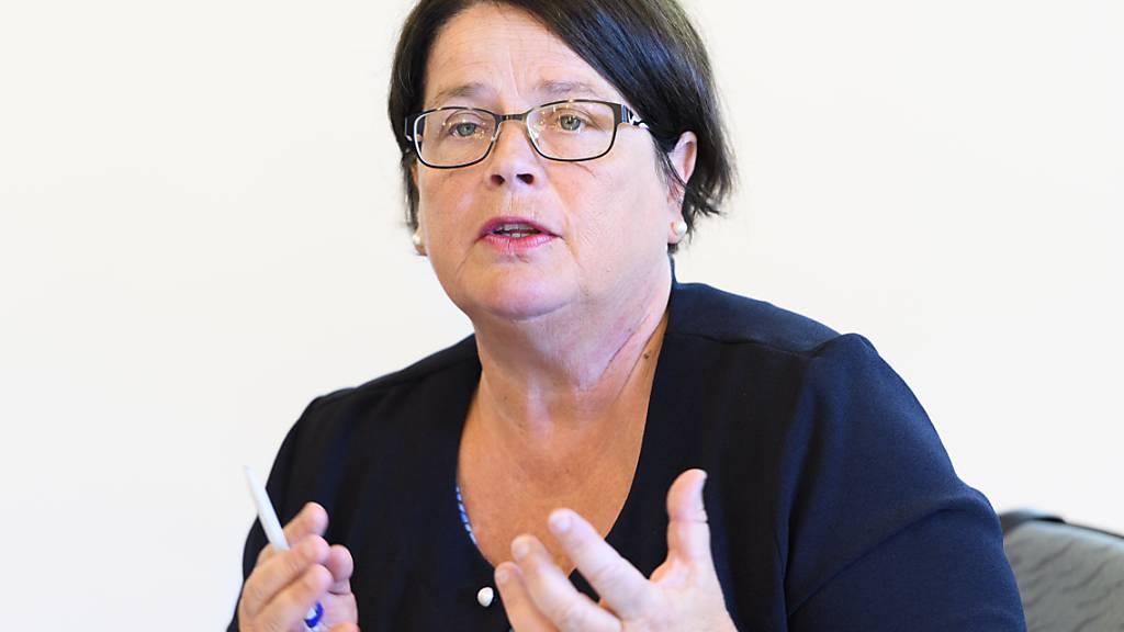 Die Freiburger Staatsratspräsidentin Anne-Claude Demierre wies erneut den Ernst der gesundheitlichen Lage im Kanton hin. (Archivbild)