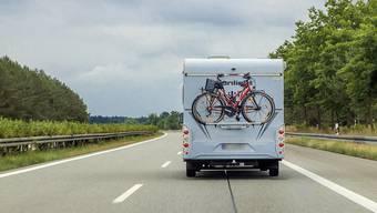 Die zwei Litauer fuhren, als Touristen getarnt, mit einem Wohnmobil in die Schweiz auf Einbruchstour. (Symbolbild)