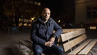 Der Regisseur Samuel Flückiger drehte seinen vierten Kurzfilm über Babyfenster.