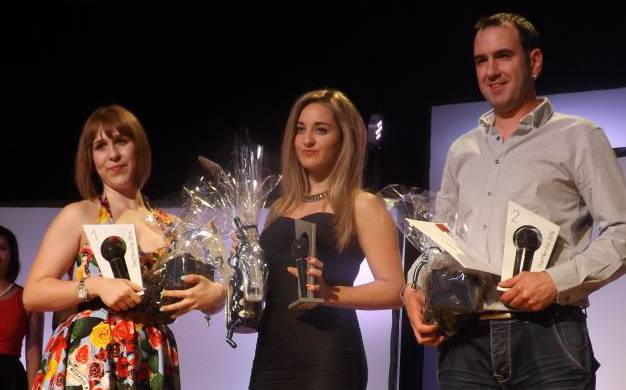 Gewinnerin Melinda Brogli (links), der Zweitplatzierte Marco  Toniazzo und Janine Lo Moro auf Rang drei