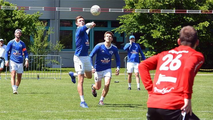 Die Neuendörfer Kevin Nützi, Dominik Rhyn, Kevin Hagen und Severin Schenker (v. l.) beim 3:1-Sieg im Heimspiel gegen Wigoltingen.