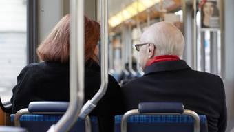 Sind das zwei gewöhnliche Fahrgäste, oder sind es vielleicht geschulte Qualitätstester des Bundes? (Symbolbild)