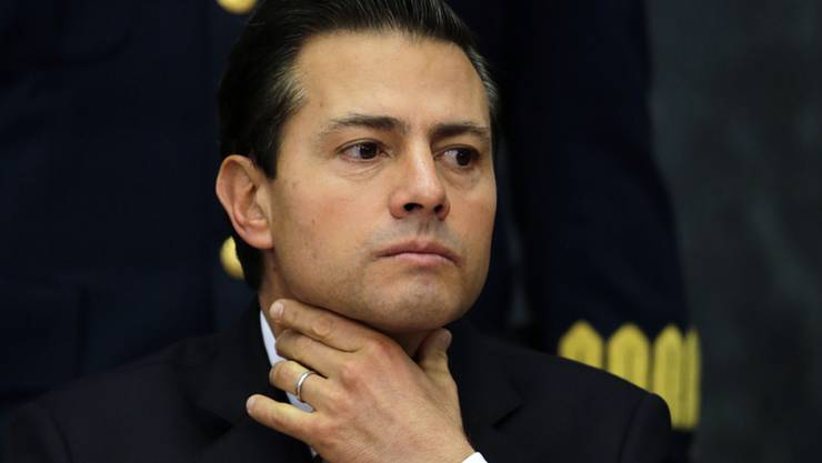 ARCHIV - Enrique Peña Nieto, damaliger mexikanischer Präsident, 2017 während einer Pressekonferenz. Foto: Marco Ugarte/AP/dpa
