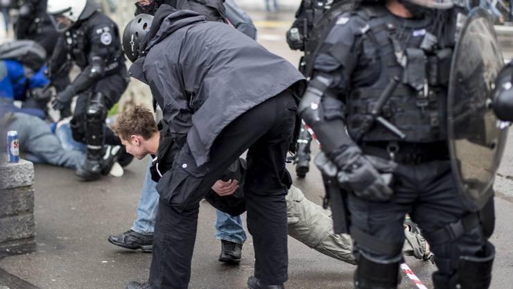 Bei den 58 Festgenommenen handelt es sich grösstenteils um Personen zwischen 18 und 25 Jahren.