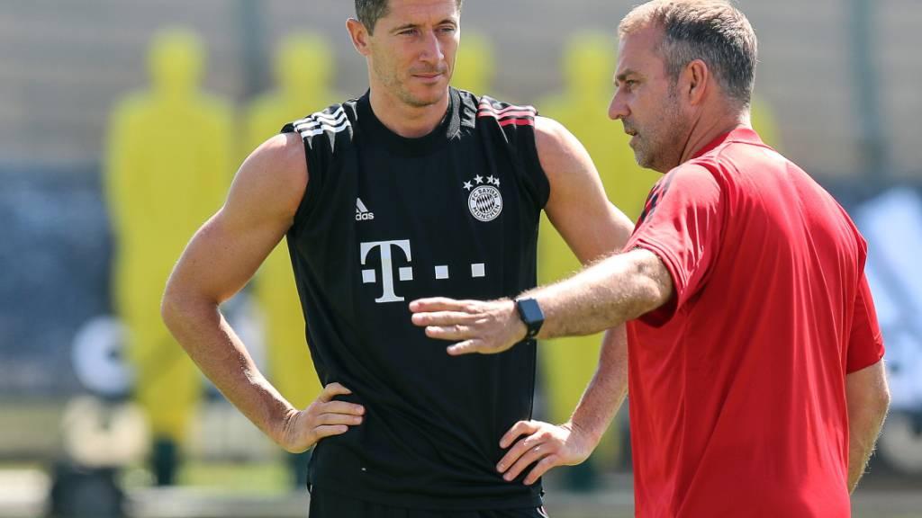Zu den Topfavoriten gehört Bayern München - dank Torgarant Robert Lewandowski und der Trainer-Entdeckung Hansi Flick