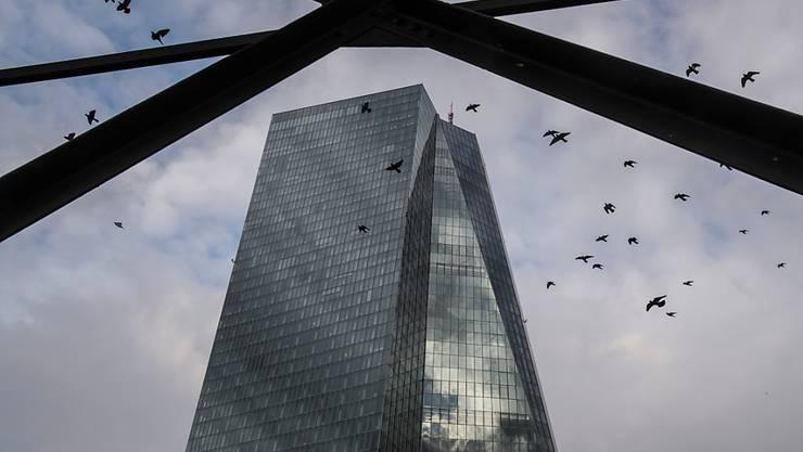 Die EZB hat ihren Zinsentscheid bekannt gegeben: Der Hauptsitz in Frankfurt (Archivbild).