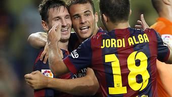 Ramirez (mitte) lässt sich von Messi (links) und Jordi Alba feiern