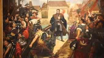 Diese Schlüsselszene der Stadtgeschichte, dargestellt von Walther Vigier im Museum Altes Zeughaus, darf 2020 wohl nicht fehlen: Schultheiss Niklaus von Wengi stellt sich während der Reformationswirren 1533 vor die Kanone.