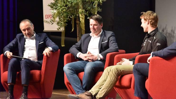 Moderartor Hugo Bigi (l.) im Gespräch mit Bruno Kernen und Marco Odermatt.