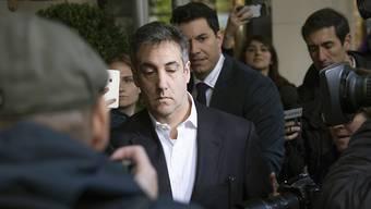 """Michael Cohen, der ehemalige Anwalt von US-Präsident Trump, trat am Montag seine Haft an. Er betonte, er sehe dem Tag entgegen, an dem er die ganze Wahrheit teilen könne. """"Es gibt noch viel zu erzählen."""""""