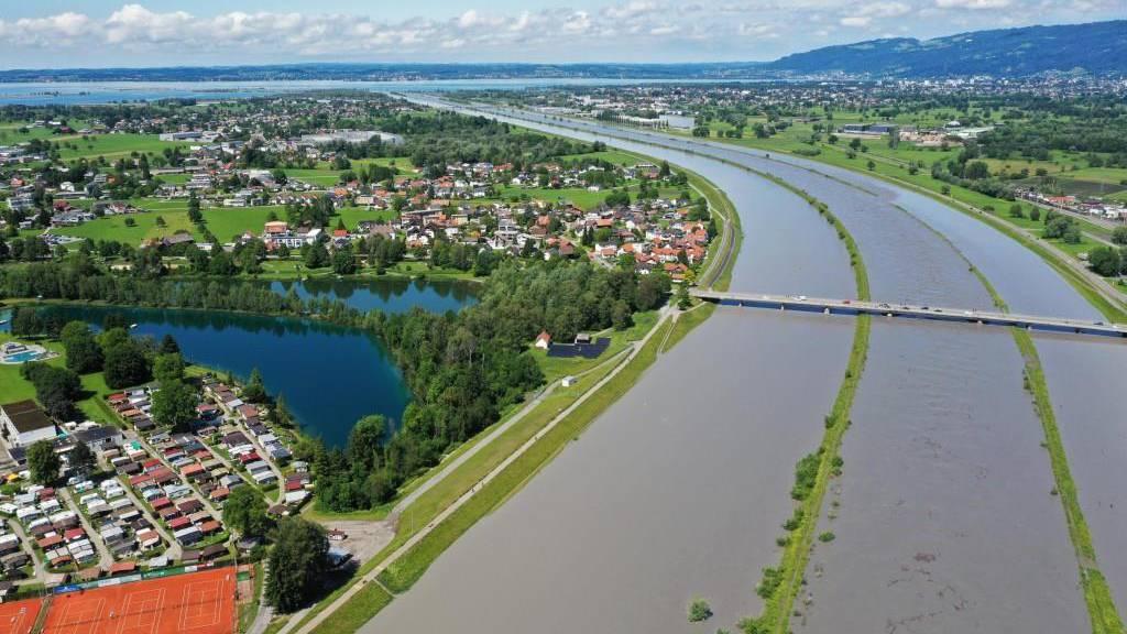 Rheinpegel sinkt - Bodenseepegel steigt