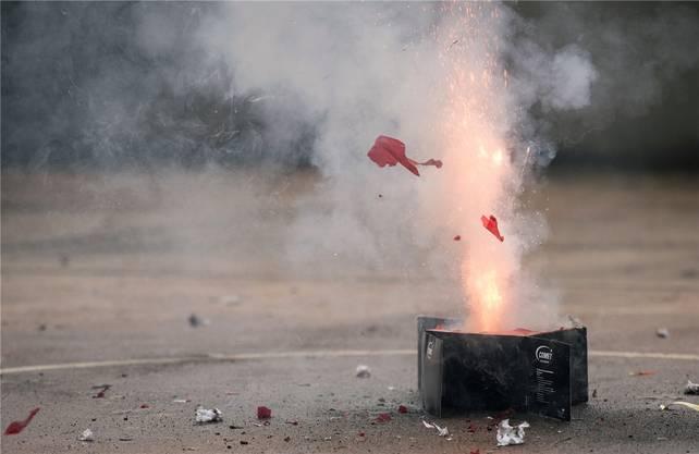 Jugendliche hätten vor allem Feuerwerk abgelassen.
