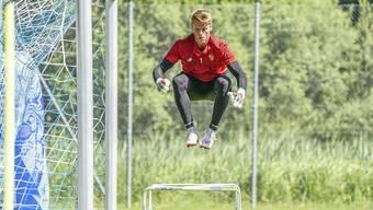Wagt Jonas Omlin nach nur einer Saison beim FC Basel den Sprung in die Bundesliga?