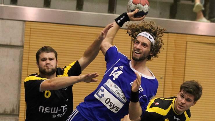 Luzi Tiefenauer (M.) und sein HCDU stehen im Regio-Cup-Achtelfinal.