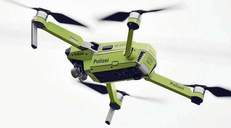 Konkret wird mit dem Polizeigesetz auch über den Einsatz von Drohnen abgestimmt. (Symbolbild)
