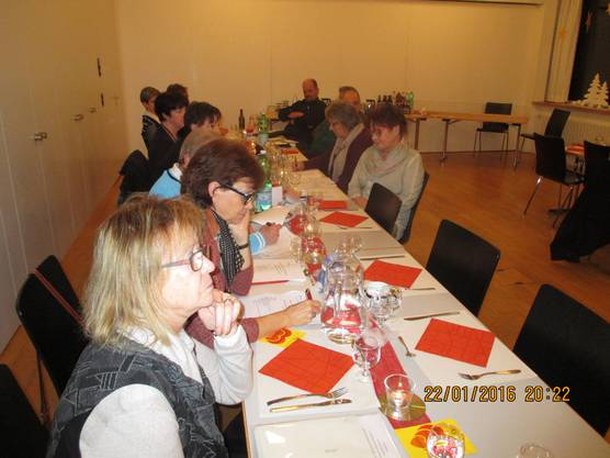 Die Delegierten lauschen gespannt den Ausführungen von Präsident Lüscher
