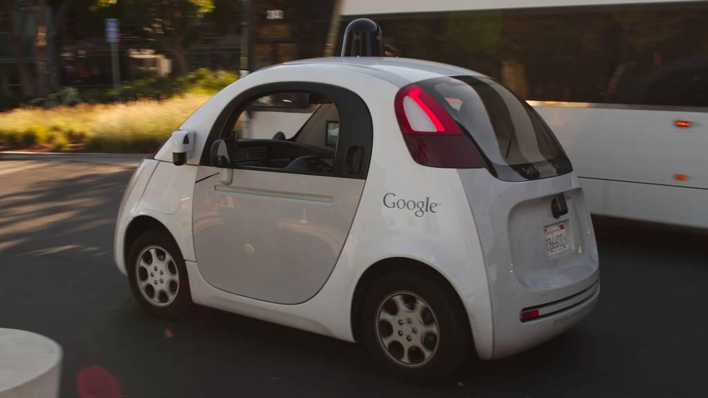 Roboterautos mit Chancen und Risiken