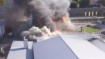 Drohenaufnahmen vom Brand des Restaurants «Go West» in der Aarauer Telli.