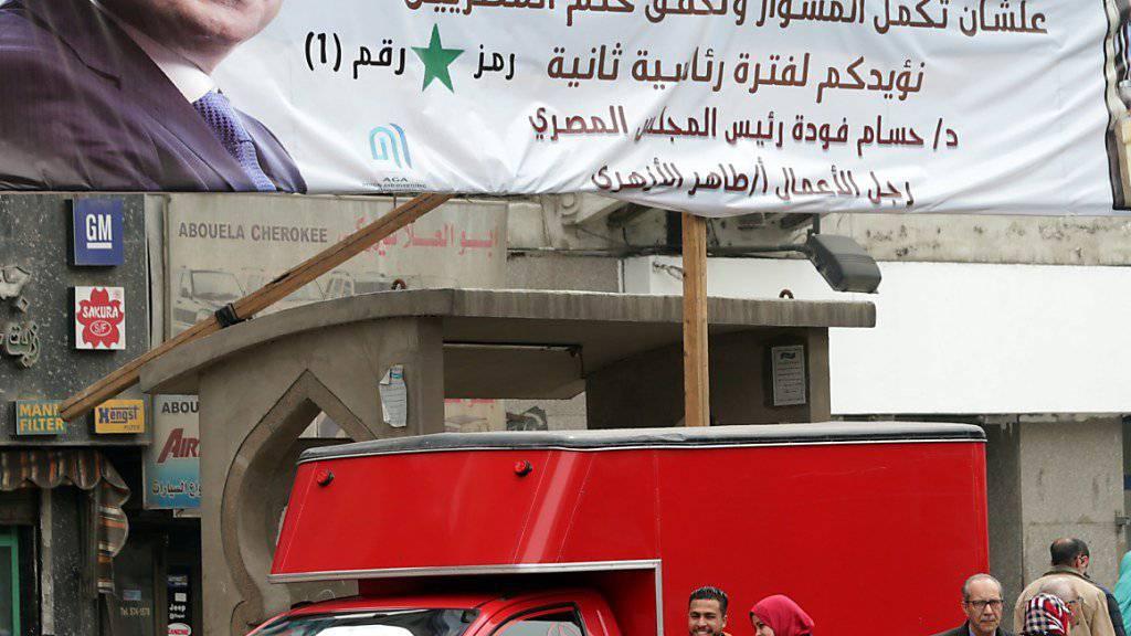 Knapp einen Monat vor der Präsidentenwahl in Ägypten hat der Wahlkampf offiziell begonnen. Die Wiederwahl von Amtsinhaber Al-Sisis gilt als sicher.