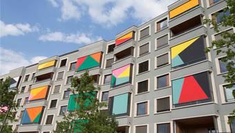 Optisches Highlight des gestern eingeweihten Studentenhauses Aspholz: Die Storen der Künstlerin Shirana Shabazi.