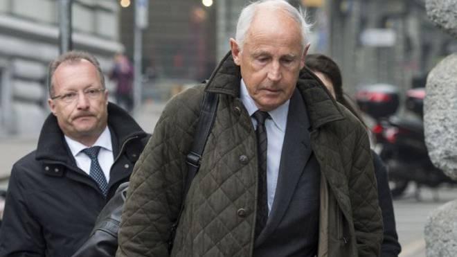 Walter Bosch am Montag auf dem Weg zur Berner Staatsanwaltschaft. Foto: Keystone