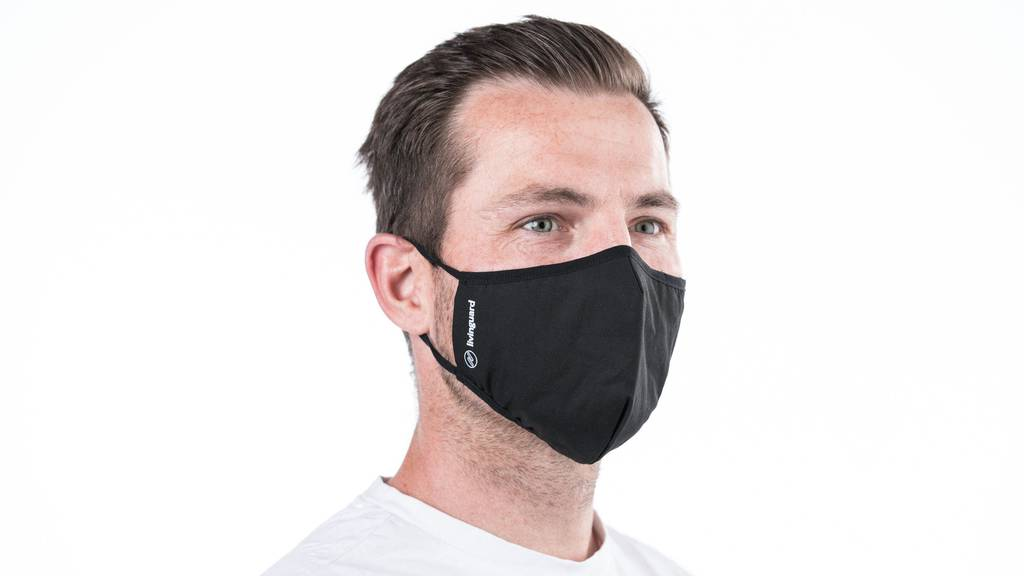 Zuger Firma stellt neuartige Masken mit Antivirus-Schutz her