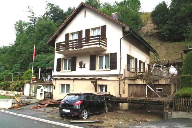 Verheerend: Das Haus der Ebingers war zugedeckt von Schlamm und Geröll.