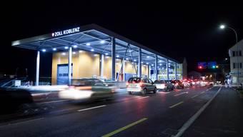 Am Koblenzer Grenzübergang zu Deutschland stauen sich die Autos regelmässig – unter anderem auch wegen der Einkaufstouristen.