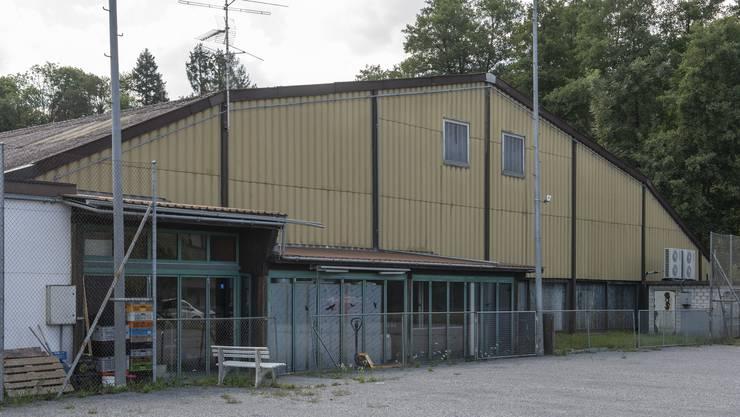 Grosse Diskussionen um die Nutzung der Tennishalle in Lengnau.