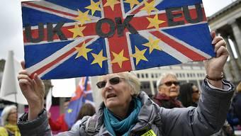 Unternehmen in Grossbritannien haben aufgrund des Brexit-Entscheids immer grössere Probleme, qualifiziertes Personal zu finden. (Archivbild)
