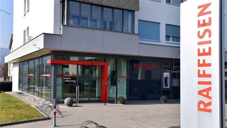 Die Raiffeisenbank in Däniken wurde Anfang April 2018 überfallen.