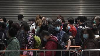 Die Zahl der Personen, die am Coronavirus gestorben sind, steigt weiter an. (Archivbild)