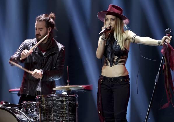 ZiBBZ geben bei ihrem Auftritt am Eurovision Song Contest in Portugal alles.