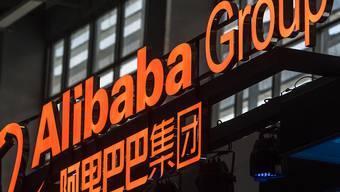 Der Internetriese Alibaba rechnet beim Gang an die Hongkonger Börse mit Einnahmen von rund 11 Milliarden US-Dollar.(Archivbild)