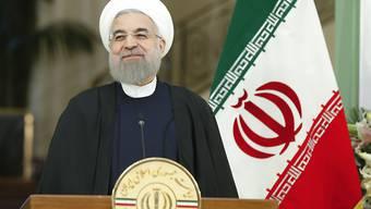 Irans Präsident Hassan Ruhani hat sich offiziell für eine zweite Amtszeit registrieren lassen. (Archiv)