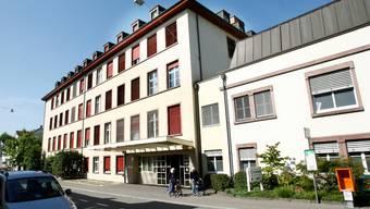 Rund um die Uhr: Personal des Unispitals kümmert sich künftig im 24-Stunden-Betrieb um Notfallpatienten in Riehen.  (niz)