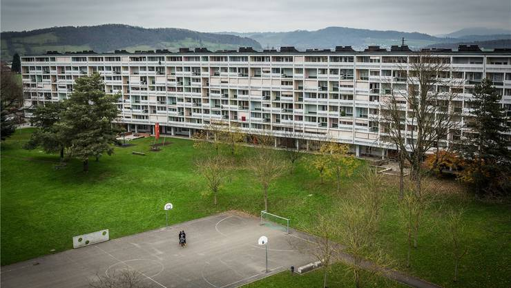 Der Sportplatz in der Wohnsiedlung Wyde in Birr war das erste Trainingsgelände für die Hajrovics.Chris Iseli