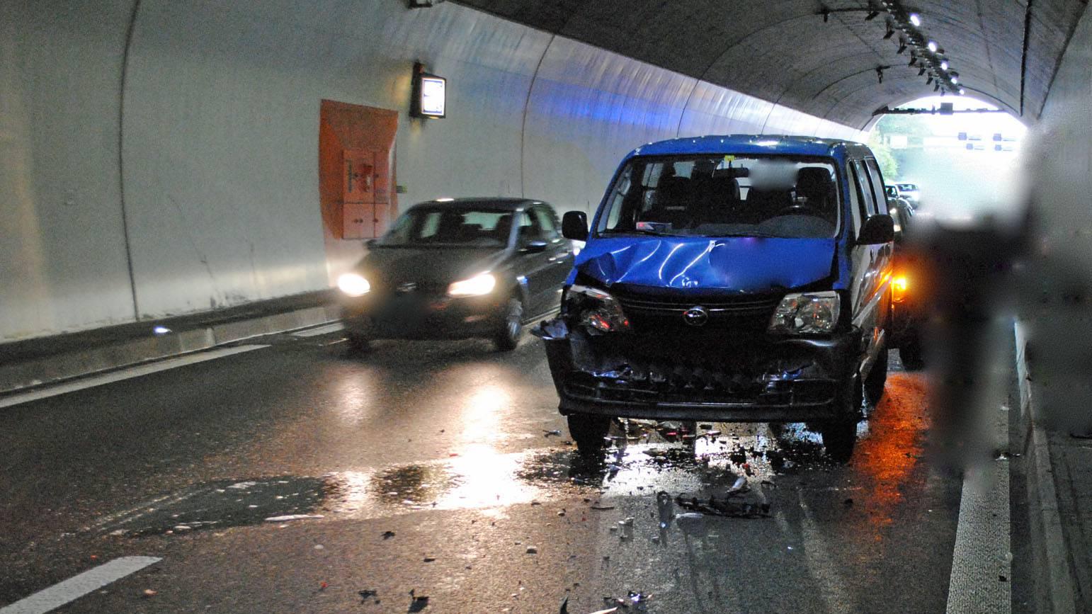 In den anderen Unfall war auch ein Lieferwagen verwickelt.