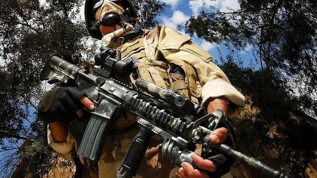 US-Soldat im Irak bei einem Spezialeinsatz (Archiv)