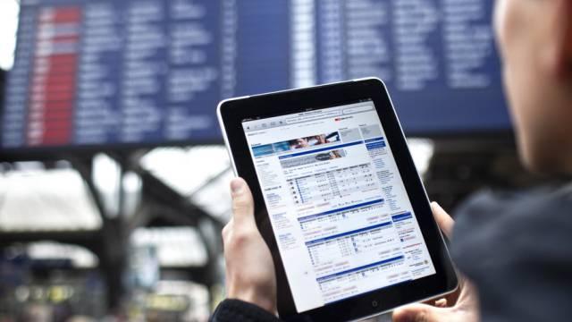 In drei SBB-Bahnhöfen sind bereits Tests mit Gratis-WLAN im Gange