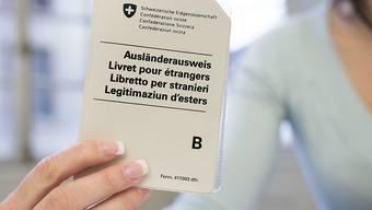 Der Bundesrat verlängert die Ventilklausel für Staatsangehörige von Rumänien und Bulgarien. Damit werden Aufenthaltsbewilligungen in der Schweiz beschränkt abgegeben. (Symbolbild)