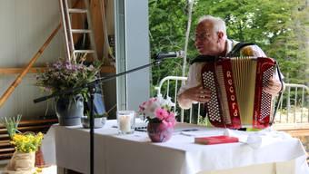 Toni Bucher, der Pfarrer von Balsthal bei seiner ungewöhnlichen Predigt. Auf Ende 2019 tritt er zurück.
