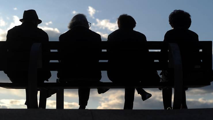 Nicht alle Pensionerte kehren der Berufswelt freiwillig den Rücken. (Symbolbild)
