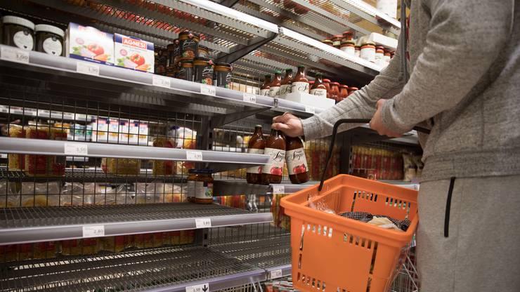 Um Konserven und langhaltbare Produkte stand es besonders in den ersten zwei Wochen nach dem Lockdown knapp.