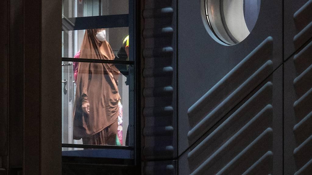 Mutmassliche IS-Frauen aus Syrien nach Deutschland zurückgebracht